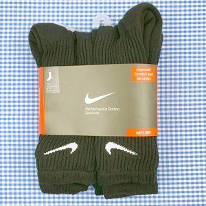 save off ce112 203ae Nike. Nike Crew Socks Men s 5 Pair Size Large 8-12 Black. NWT